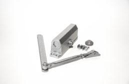 Доводчик дверной 071F S (80кг) морозостойкий, серебро